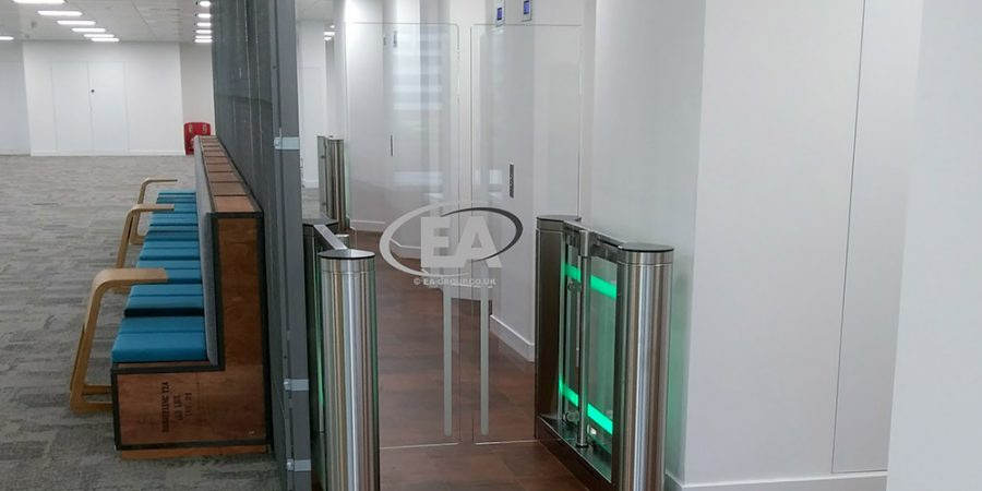 Security SpeedGate turnstile with tall glass panels to prevent people hurdling over